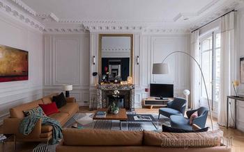 Квартира с витражным окном и необычными обоями в Париже