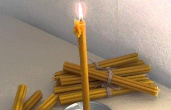 Чистка дома от негатива при помощи свечи