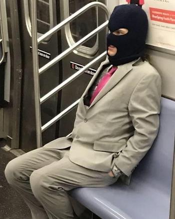 20 фото доказательств того, что в метро ездить совсем не скучно