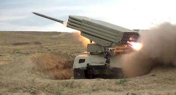 Удары по колоннам и сбитый Ан-2: пятый день боёв в Карабахе на видео сторон
