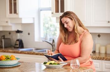 Удар по ожирению. Как питаться, чтобы сбрасывать вес правильно