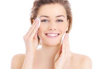 Как сделать кожу лица идеальной дома и повернуть возраст вспять