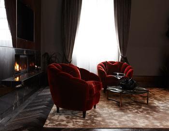 Роскошный, драматичный интерьер пентхауса в Лондоне