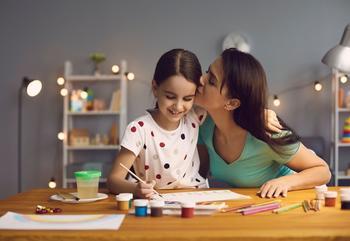 7 важных вещей, которым обязательно нужно научить свою дочь