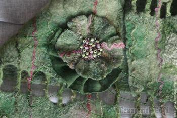 Создаем простую фактурную брошь из валяной шерсти и шелка