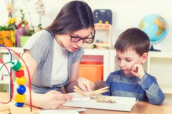 Развивающие игры с прищепками для малышей: в мамину копилку