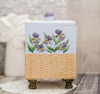 Кухонный короб с росписью нежной фиалки и имитацией плетеной корзинки