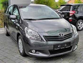 """""""Тойота"""" (минивэн), все модели: обзор, описание, характеристики и отзывы"""