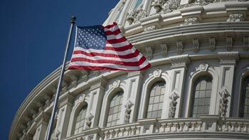 В полночь (08.00 мск) федеральное правительство США прекратило работу