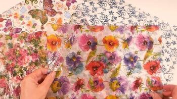 Как превратить бумажную салфетку в пластичный материал для декорирования