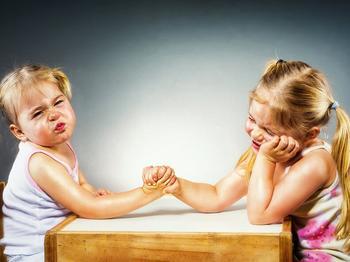 Ссоры между детьми: 10 шагов по разрешению конфликта