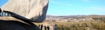 Тайна удивительного камня в Аргентине, который почему-то не падает