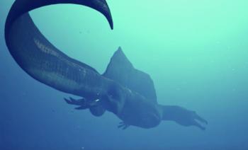 Ученые показали сородича тираннозавра, который охотиться и на земле, и под водой