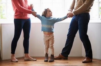 5 фраз, которые не стоит говорить ребенку при разводе