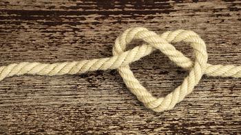 «9 узелков» - ритуал на деньги и удачу