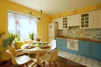 Дух странствий и яркие стены в квартире дизайнера