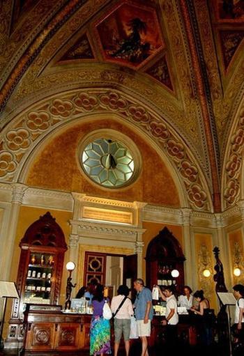 Где найти приворотное зелье, лечебных пиявок и другие проверенные снадобья: 5 старинных аптек-музеев