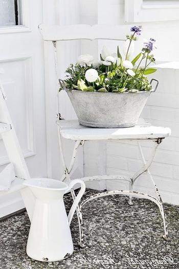 Клумба из стула своими руками для сада и дачи