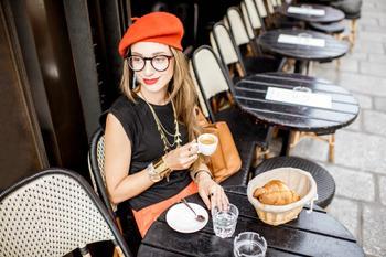 Как одеваться во французском стиле и соблюдать парижский образ жизни
