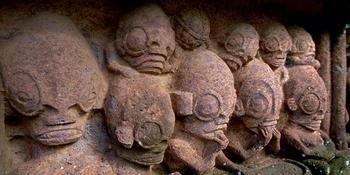 Статуи острова Нуку-Хива. Рептилоиды или кто?