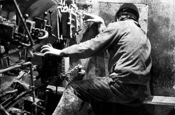 Советские люди на производстве