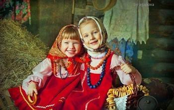 Дети со всего мира в традиционных одеждах своей страны