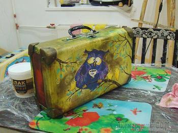 Декорируем старый чемодан