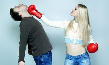 Женская самооборона: как защитить себя