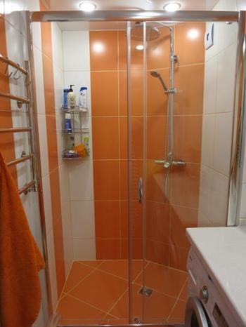 Перепланировка санузла и оранжевая ванная комната