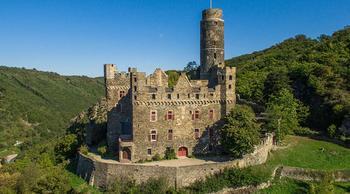 Замок Альтена: романтика старины на фоне удивительной природы