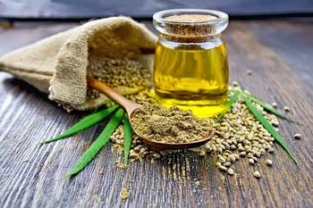 Конопляное масло укрепит иммунитет, вернет силу волосам и здоровье коже!