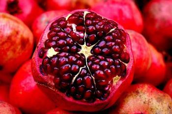 Гранат: польза и вред для здоровья. Состав и целебные свойства короля фруктов