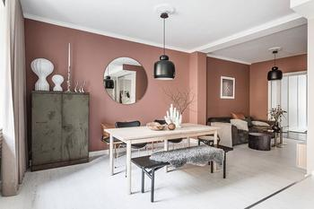 Необычно красивый цвет стен в квартире в Стокгольме