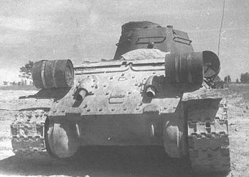 Для чего на корме Т-34 крепилось два цилиндра (спойлер: не баки с горючим)
