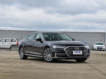 Audi A8 2021: представительский седан с большими амбициями