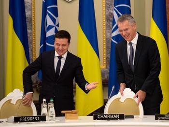 Завершить войну на Донбассе, вернуть Крым. Опубликован полный текст совместного заявления Украины и НАТО