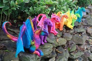 Вязаные дракончики от Меган Лэпп