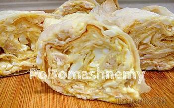 Закуска из лаваша с сыром, яйцами и курицей