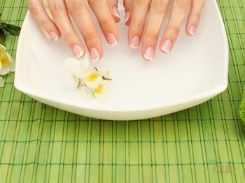 10 лучших лучших средств для укрепления и роста ногтей