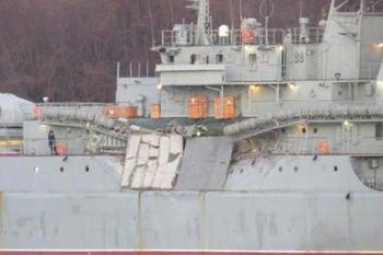 Африканский сухогруз протаранил шедший в Сирию российский десантный корабль