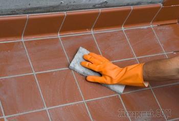 Как отмыть плитку после ремонта: советы по удалению пятен краски, клея, затирки