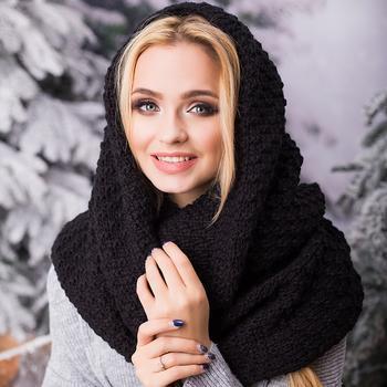 6 шарфов, которые вышли из моды и могут испортить весь образ в 2021 году