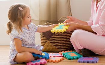 Детские игры для уставшей мамы: топ-10