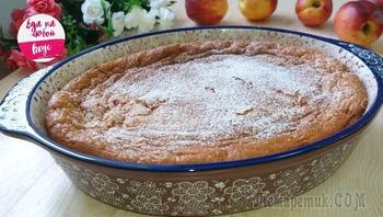 Наливной пирог с вишней, тесто за пару минут и никакой возни!