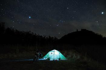 В палатке под звездами