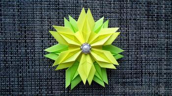 Цветок из бумаги. Поделки оригами к 8 марта