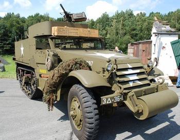 Самый массовый бронетранспортёр Второй мировой войны
