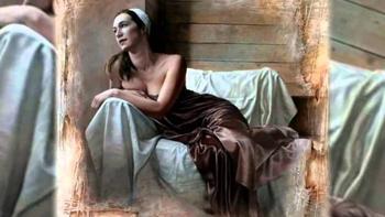 Потёртые стены и очаровательные девушки Паскаля Чове