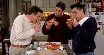 Шах и мат, зожники! Пиццу признали самым полезным завтраком