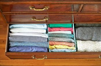 Идеальный порядок в шкафу: практичные советы и 22 крутых примера
